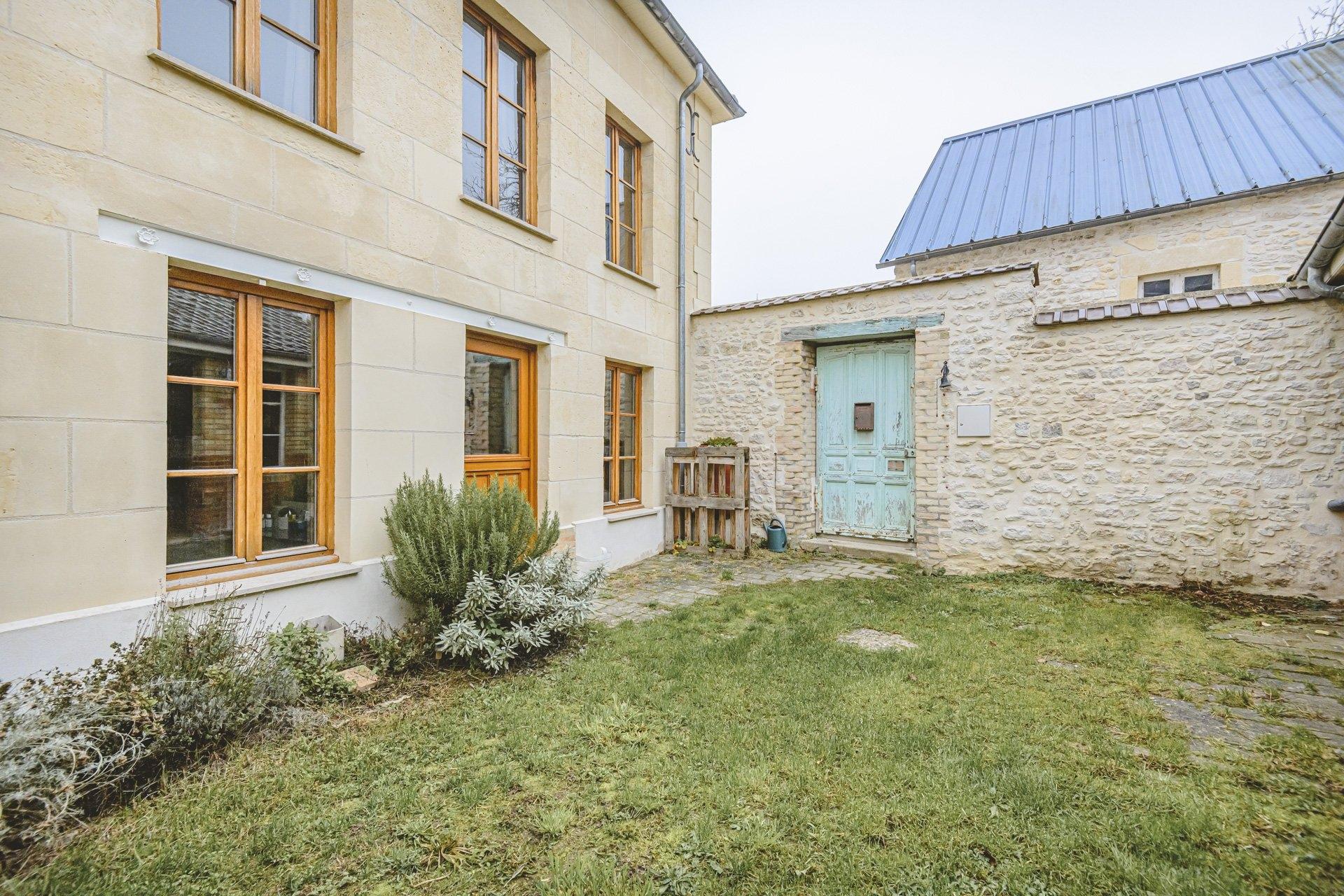 Maison Rosnay 6 Pièces 120 m2 - 1