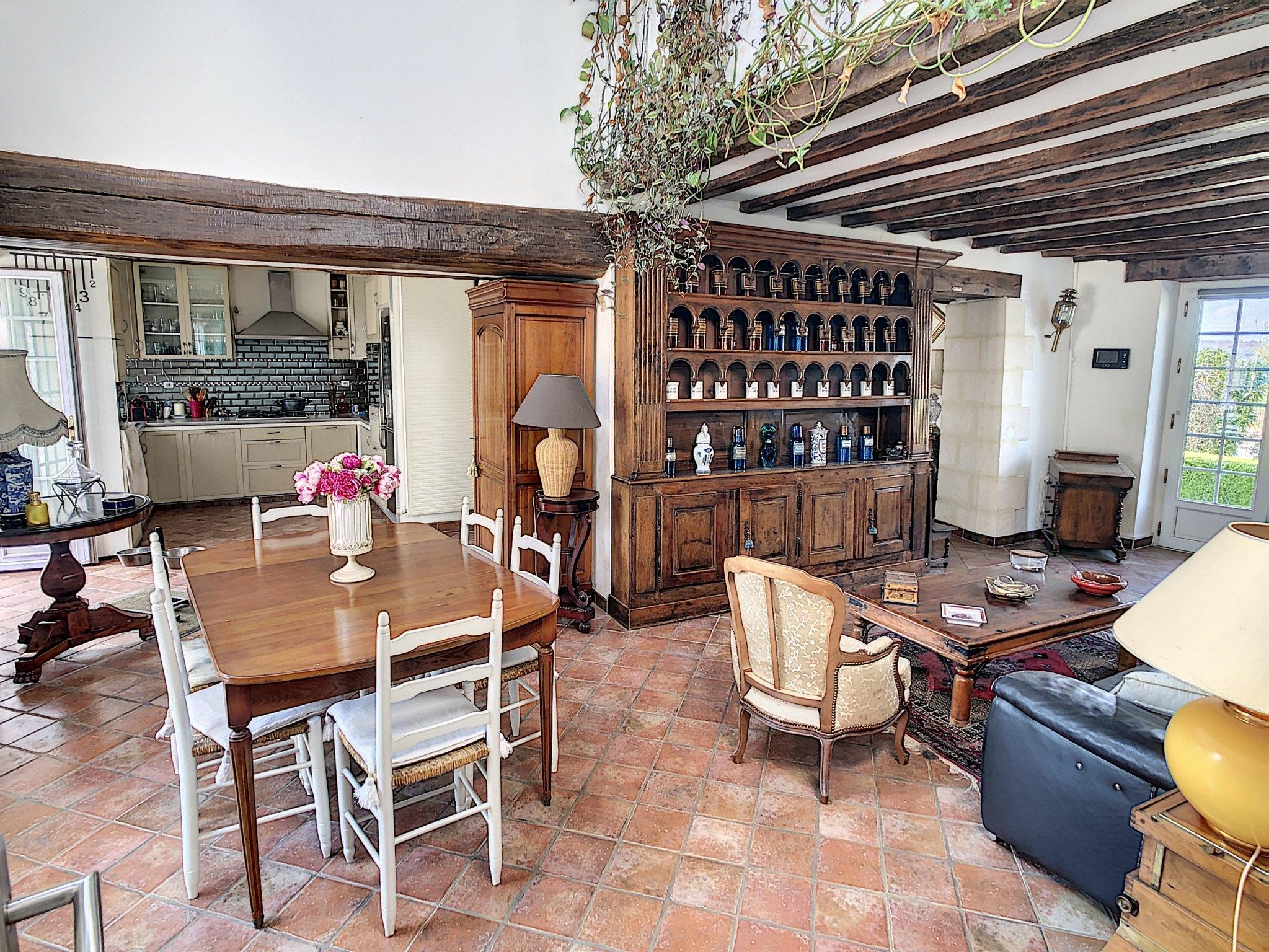 Maison Reims 8 Pièces 220 m2 - Parking - 8